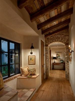 long-hallway-decorating-ideas4-1