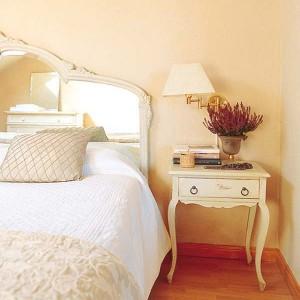 nightstands-to-headboards-creative-ideas1-2