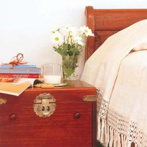 nightstands-to-headboards-creative-ideas14-1