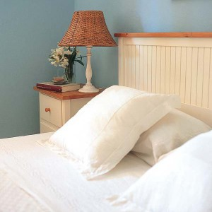 nightstands-to-headboards-creative-ideas15-2