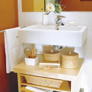 cosmetics-organizing-in-bathroom10-2