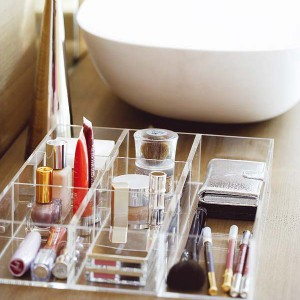 cosmetics-organizing-in-bathroom18-1