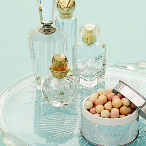 cosmetics-organizing-in-bathroom19-2