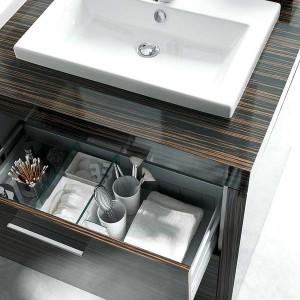 cosmetics-organizing-in-bathroom2-2