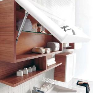 cosmetics-organizing-in-bathroom23-1