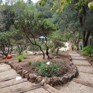 garden-path-good-looking-ideas12-2