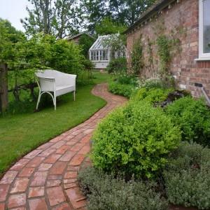 garden-path-good-looking-ideas18-1