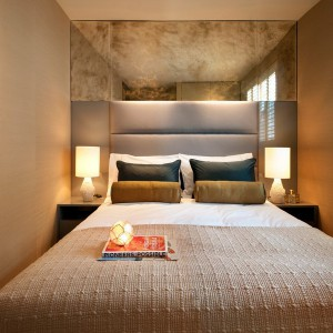 visual-expansion-in-small-bedroom2-1