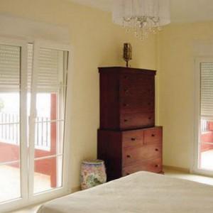 new-design-womens-bedroom-before2