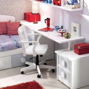user-friendly-customized-desks-for-children8-1