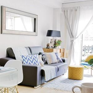 tiny-narrow-studio-apartment-30-sqm12
