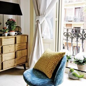 tiny-narrow-studio-apartment-30-sqm17