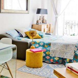 tiny-narrow-studio-apartment-30-sqm18