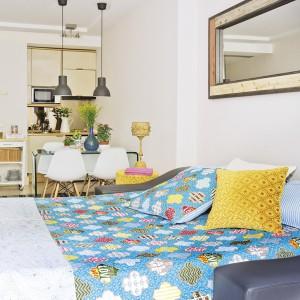tiny-narrow-studio-apartment-30-sqm19