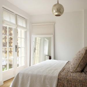 mirror-in-bedroom-not-trivial-tricks1-2