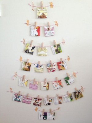 christmas-tree-made-of-holiday-cards12-2