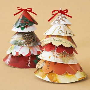 christmas-tree-made-of-holiday-cards16-2