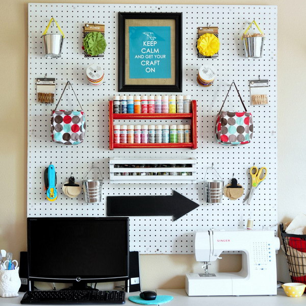 pegboard-in-homeoffice-and-craftrooms