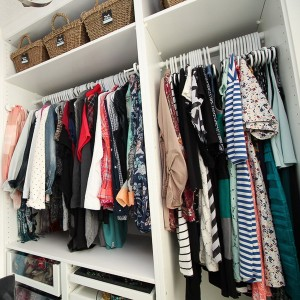 closet-makeover-with-ikea-pax-and-wallpaper10