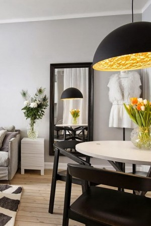 small-swedish-apartment-with-lamps-by-tom-dixon12