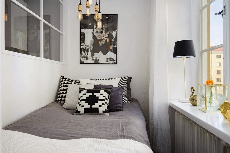 small-swedish-apartment-with-lamps-by-tom-dixon24
