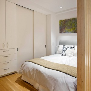 tiny-manhattan-studio-apartment-32-sqm13