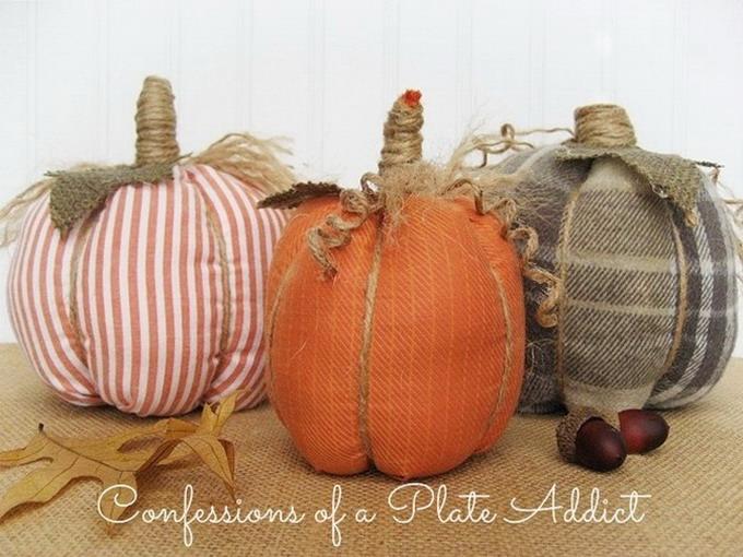 diy-easy-no-sew-pumpkin-made-of-clothes1