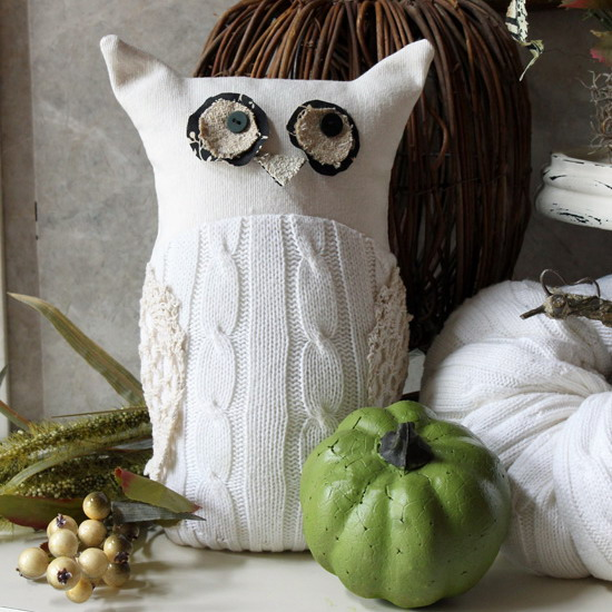 diy-owl-from-old-white-sweater