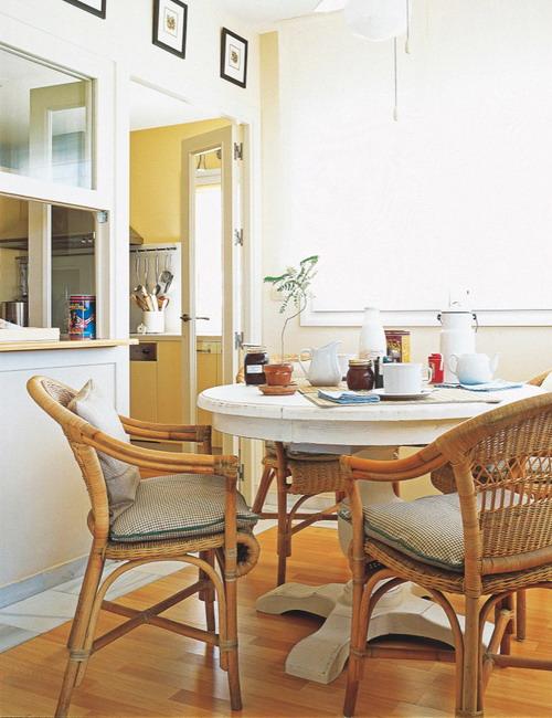 open-window-between-kitchen-and-diningroom24