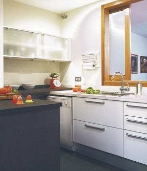 open-window-between-kitchen-and-diningroom4-2