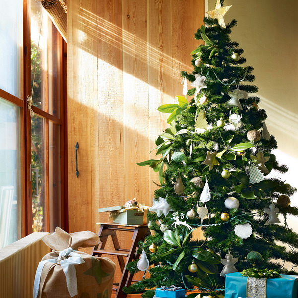 15-must-have-new-year-trees11