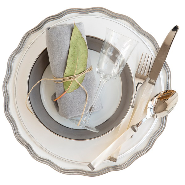chic-style-palettes-for-new-year-table-setting3-1