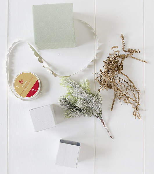 diy-3-tiny-christmas-tabletop-placeholders2-materials