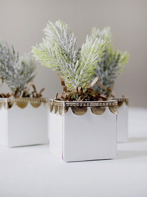 diy-3-tiny-christmas-tabletop-placeholders2