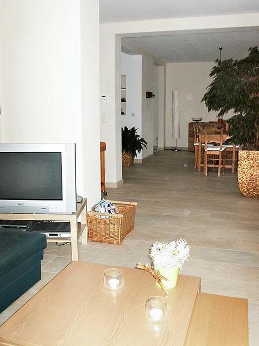 livingroom-update-by-ikea-furniture-issue5-before