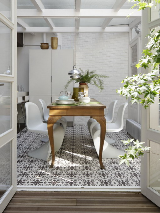 how-to-match-antique-table-and-designer-chairs7