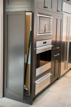 space-saving-broom-closets-ideas1-3