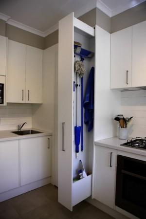 space-saving-broom-closets-ideas2-4
