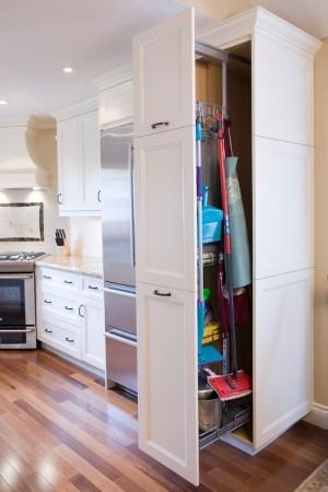 space-saving-broom-closets-ideas3-2