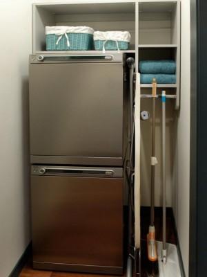 space-saving-broom-closets-ideas5-2