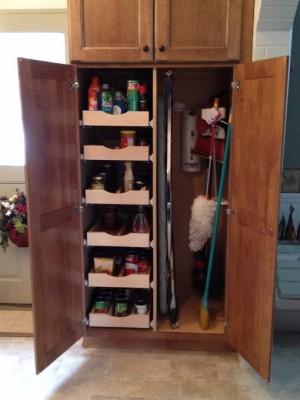space-saving-broom-closets-ideas7-2