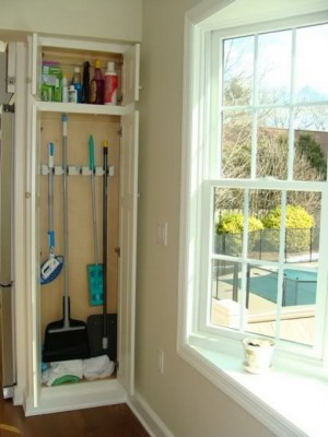 space-saving-broom-closets-ideas8-2