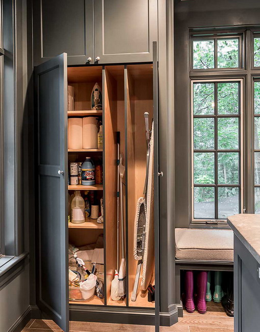 space-saving-broom-closets-ideas9