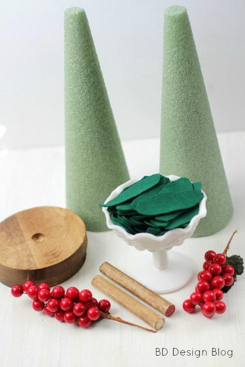 diy-tabletop-christmas-trees-from-felt2-materials