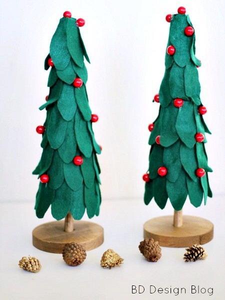 diy-tabletop-christmas-trees-from-felt2
