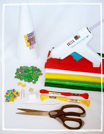 diy-tabletop-christmas-trees-from-felt3-materials