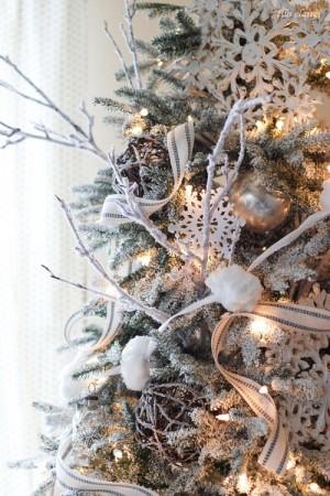 ribbon-on-christmas-tree-best-tips-ellaclair2-2