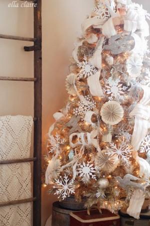 ribbon-on-christmas-tree-best-tips-ellaclair3