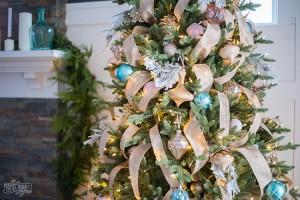 ribbon-on-christmas-tree-best-tutorials1-1
