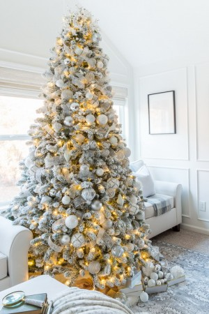 ribbon-on-christmas-tree-ideas2